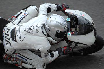xghisbert met MJK motorkleding