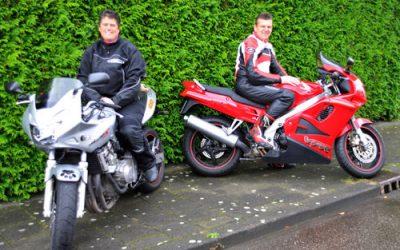 Stoer of sexy met je motor op de foto tijdens de MJK fotoshoot
