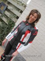 Jeanette Meijer in motorkleding